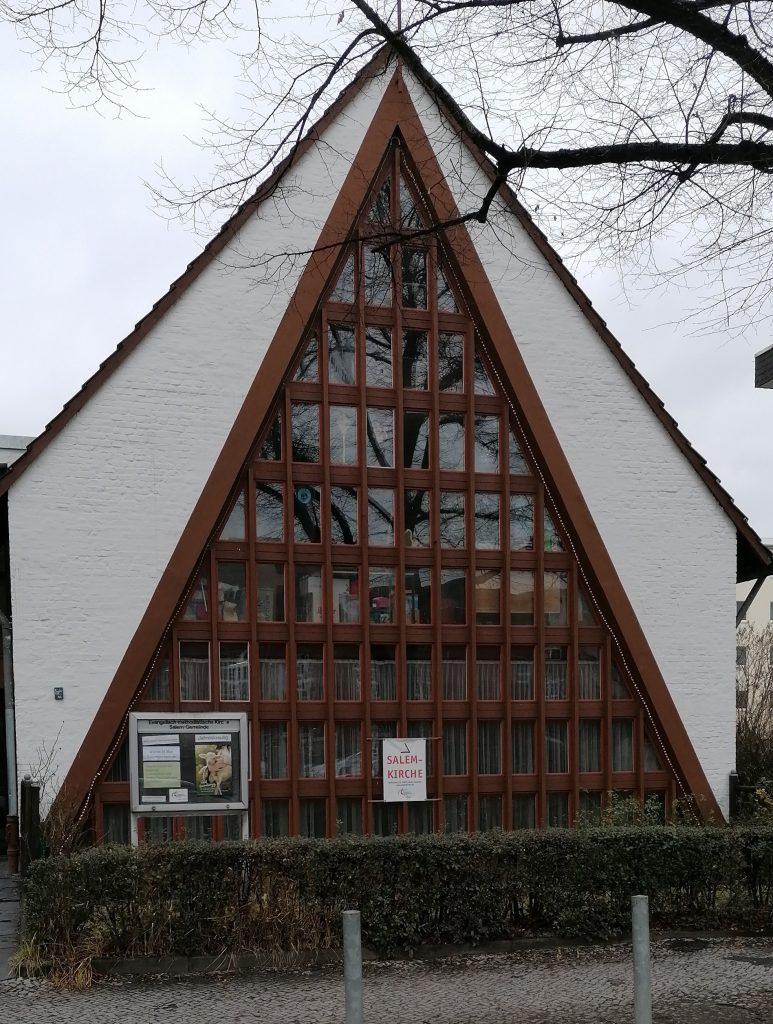 Gebäude der Salemkirche in Berlin-Neukölln